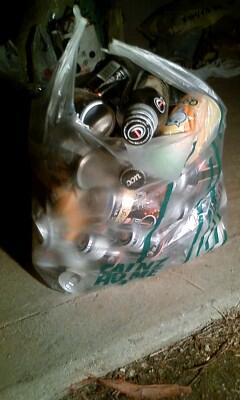 空き缶 袋.jpg